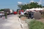 Thừa Thiên - Huế: Khiếp vía chứng kiến xe chuyên dụng chở gần 50 ngàn lít dung môi bị lật