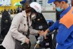 Kinh tế 24h: Giá xăng dầu tăng tiếp tục tăng, giá vàng tương đối ổn định