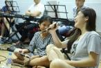 4 HLV The Voice Kids hòa giọng cùng nhau trong phòng tập trước thềm Chung kết