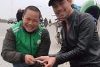 Hành động bất ngờ của tài xế Grab làm ấm lòng vạn người trong ngày Tết