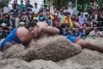 Thừa Thiên Huế: Làng Thủ Lễ tưng bừng khai hội vật truyền thống