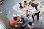 Sốc: Giáo viên mầm non đánh trẻ liên tiếp trong lớp học tại Nghệ An