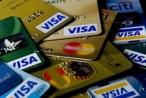 Người tiêu dùng nên làm gì trước 'bẫy' thẻ tín dụng?