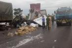 Nghệ An: Xe tải nát bét, hai người kẹt cứng trong cabin sau cú va chạm kinh hoàng