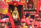 Phát nhang, nón, khăn lạnh...miễn phí tại Lễ hội chùa Bà Thiên Hậu