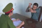 Nam thanh niên mang dao giải quyết mâu thuẫn rồi vào trường chém bảo vệ