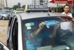 Vì sao giá xăng giảm mạnh nhiều lần, cước taxi bất động?