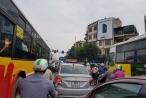 Nghỉ lễ 30/4: Người dân đổ về quê, các bến xe ùn tắc