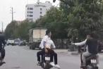 [Clip]: Phẫn nộ với nhóm 'Sửu nhi' đi xe máy lạng lách, đánh võng trên đường