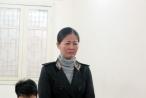 Hà Nội: Chị nông dân đổ nước mắm vào trụ sở xã bị phạt 2 năm tù