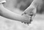 Người chị thay cha mẹ nuôi em và nỗi buồn cuối đời bị chiếm nhà