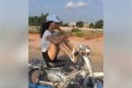 Clip: Cô gái lái xe bằng chân thách thức cộng đồng mạng
