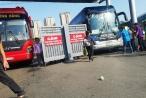 Hà Nội: 'Cò' xe khách lộng hành ở bến xe Giáp Bát