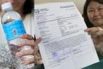 Trả hơn 1000 đô la cho 9 chai nước 'thay đổi vận số'