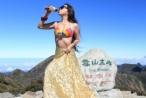 Cô gái thiệt mạng vì diện bikini leo núi