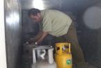 Đột kích cơ sở sang chiết gas lậu 'ẩn mình' trong khu dân cư