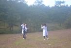 Lâm Đồng: Thời tiết bất lợi, mùa cỏ hồng vẫn hút khách