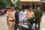 Quảng Ninh: CSGT truy đuổi, tóm gọn hai tên cướp điện thoại giữa ban ngày