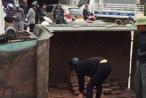 Bắc Giang: Xe ba gác chở gạch lật đổ khiến hai bà cháu thương vong
