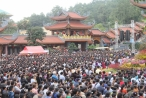 Biển người chiêm bái, cầu an tại ngôi chùa 'đẹp nhất Quảng Ninh'
