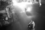[Clip]: Người đàn ông đổ xăng từ xe máy ra người và châm lửa tự thiêu
