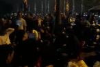Clip 'biển người' hướng về đền Trần chờ giờ Khai ấn