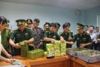 Hà Tĩnh: Bắt 3 đối tượng vận chuyển 52 bánh Heroin và 25kg ma túy đá