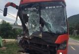 Quảng Nam: Va chạm liên hoàn trên quốc lộ 14B, nhiều hành khách hoảng sợ