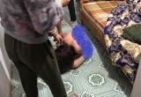 Vợ sảy thai phải mổ, chồng lén đưa gái trẻ về nhà