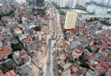 Nhan nhản nhà siêu kỳ dị 'đu bám' trên đường nghìn tỷ ở thủ đô