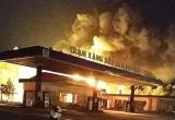 Cây xăng bốc cháy dữ dội, người dân hoảng loạn bỏ chạy