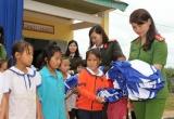 Đắk Nông:  Trao tặng 400 chiếc áo ấm cho học sinh nghèo