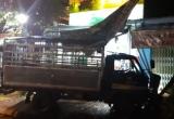 Kon Tum: Xe tải mất lái đâm vào hai mẹ con khiến người dân hoảng loạn