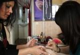 Đường về cho người Việt làm nghề nail bất hợp pháp tại Anh?