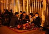 Trắng đêm xếp hàng chờ mua vé trận Việt Nam - Indonesia