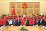 Thủ tướng trao nhiều phần thưởng cao quý cho ĐT Việt Nam