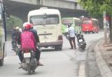 Đường Phạm Hùng, Khuất Duy Tiến thành bến xe 'di động'