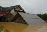 Hơn 10.000 hộ gia đình vẫn mất điện do mưa lũ miền Trung