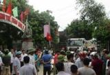 Thanh Hóa: Nổ mìn khai thác đá gây sạt nhà, dân chặn đường phản đối