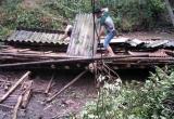 Thanh Hóa: Giông lốc, mưa đá gây thiệt hại nhà cửa, hoa màu