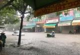 Thanh Hóa: Sau trận mưa lớn, đường phố ngập lụt 'như sông'
