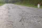 """Bắc Kạn: Đường tỉnh 256 """"nát như tương"""", phí bảo trì """"đổ"""" vào đâu?"""
