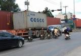 Dân Sài Gòn ám ảnh sống chung với 'hung thần' container