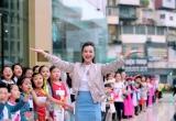 Hoàng Oanh thấy mình trẻ gần chục tuổi khi dẫn Vietnam Idol Kids