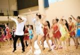 Khánh Thi – Phan Hiển nhảy dance sport trên nền nhạc Đàn bầu trong MV SEA Games 2017