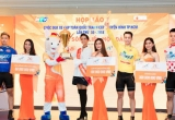 Hoa hậu H'hen Niê diện đồ màu trắng, làm đại sứ thể thao cuộc đua tranh cúp truyền hình TPHCM