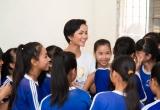 Hoa hậu H'hen Niê truyền cảm hứng trong chương trình 'Room to Read'