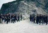 Đạo diễn Lương Đình Dũng mang 100 diễn viên đi bộ 100km để casting cho phim hành động 587