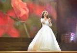 Hồng Minh The Voice Kids ngày nào giờ hoá thiếu nữ xinh đẹp trong đêm diễn 'Hành trình kết nối yêu thương'