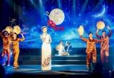 Trịnh Kim Chi duyên dáng áo dài hát 'Đêm mưa nhớ mẹ'